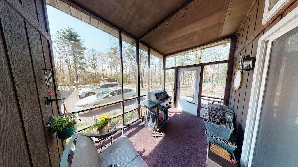 24. Single Family Homes for Sale at 210 Crane Rd Lakeville, Pennsylvania 18438 United States