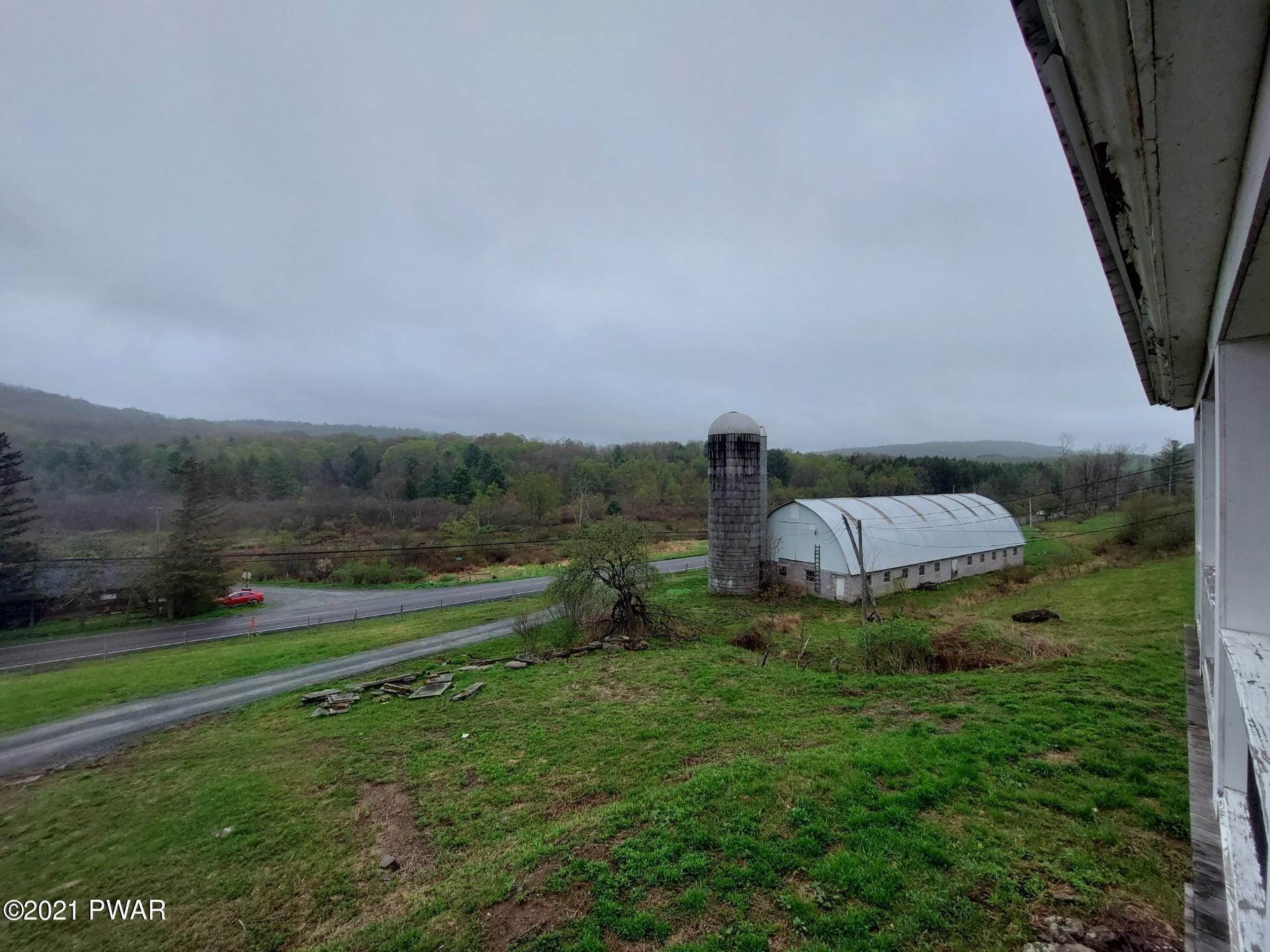 27. Single Family Homes for Sale at 2725 Hancock Hwy Equinunk, Pennsylvania 18417 United States