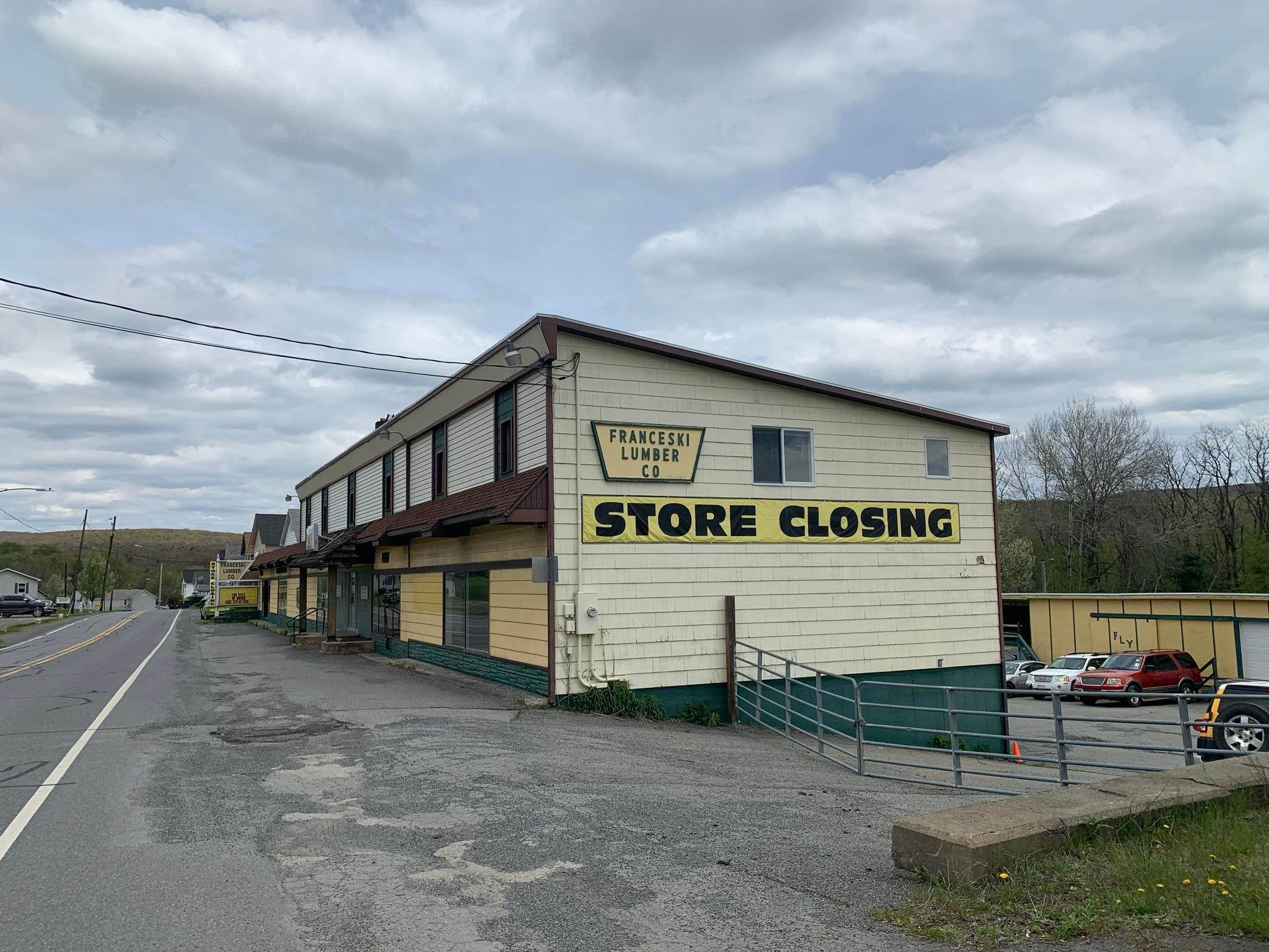 Commercial for Sale at 900 N Main St Forest City, Pennsylvania 18421 United States