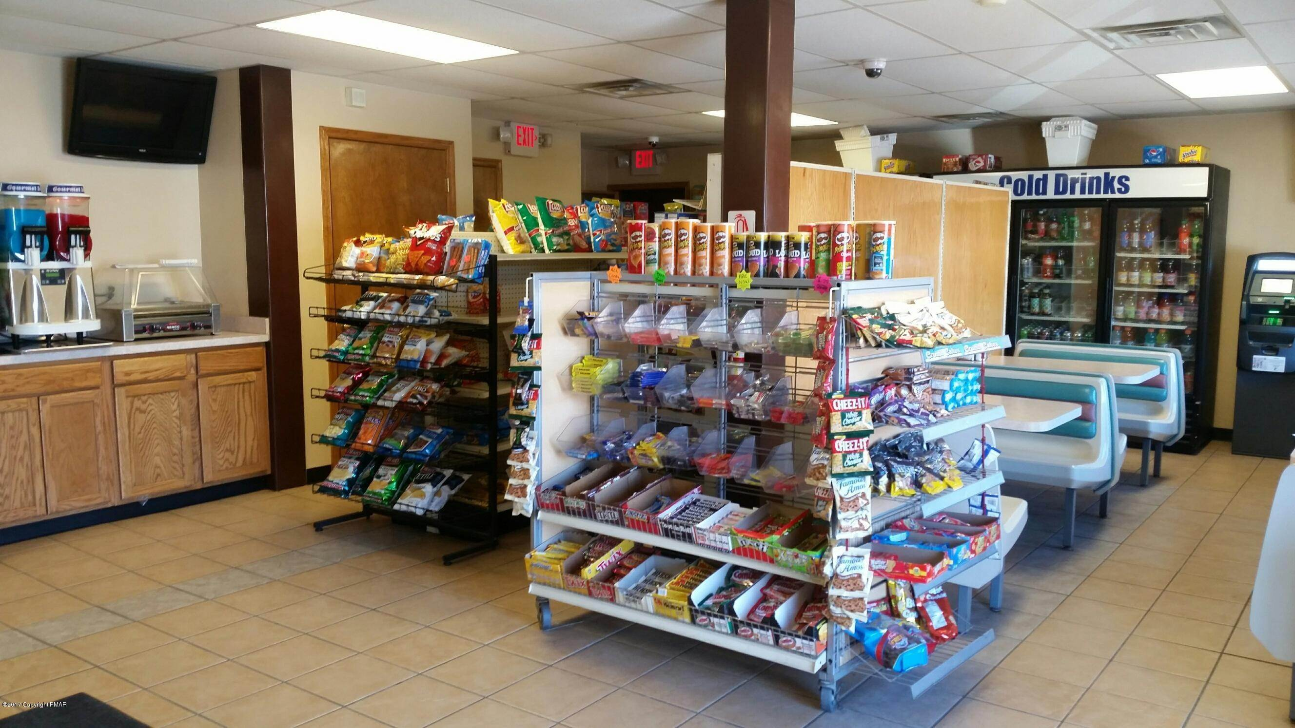 3. Commercial for Sale at 3815 Route 115 Blakeslee, Pennsylvania 18610 United States
