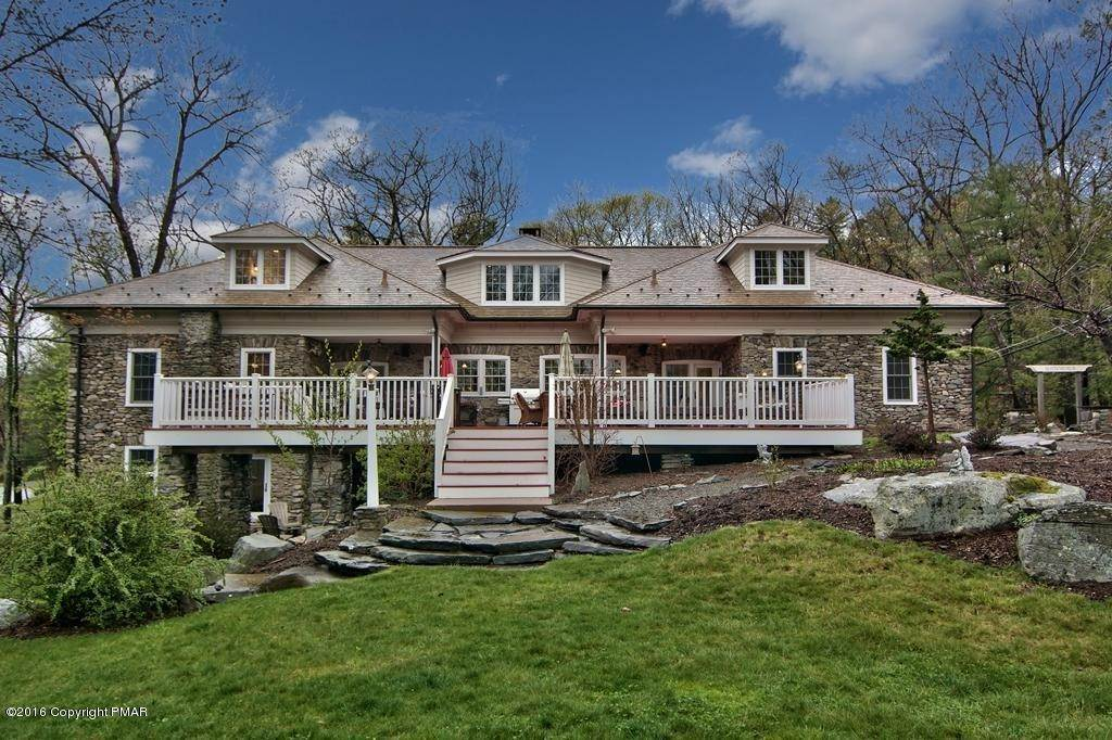 Single Family Homes for Sale at 617 Lenape Ln Buck Hill Falls, Pennsylvania 18323 United States