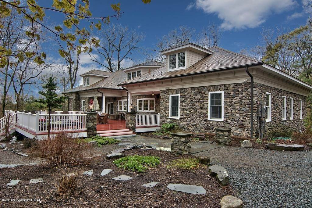 67. Single Family Homes for Sale at 617 Lenape Ln Buck Hill Falls, Pennsylvania 18323 United States