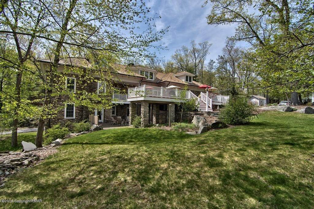 68. Single Family Homes for Sale at 617 Lenape Ln Buck Hill Falls, Pennsylvania 18323 United States