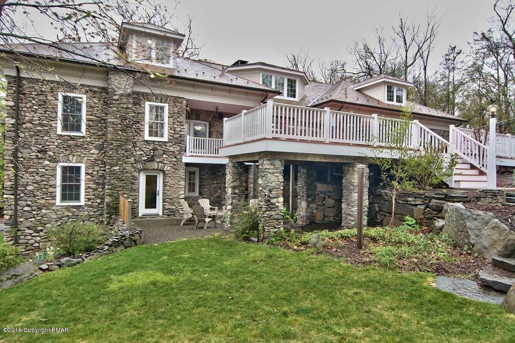 70. Single Family Homes for Sale at 617 Lenape Ln Buck Hill Falls, Pennsylvania 18323 United States