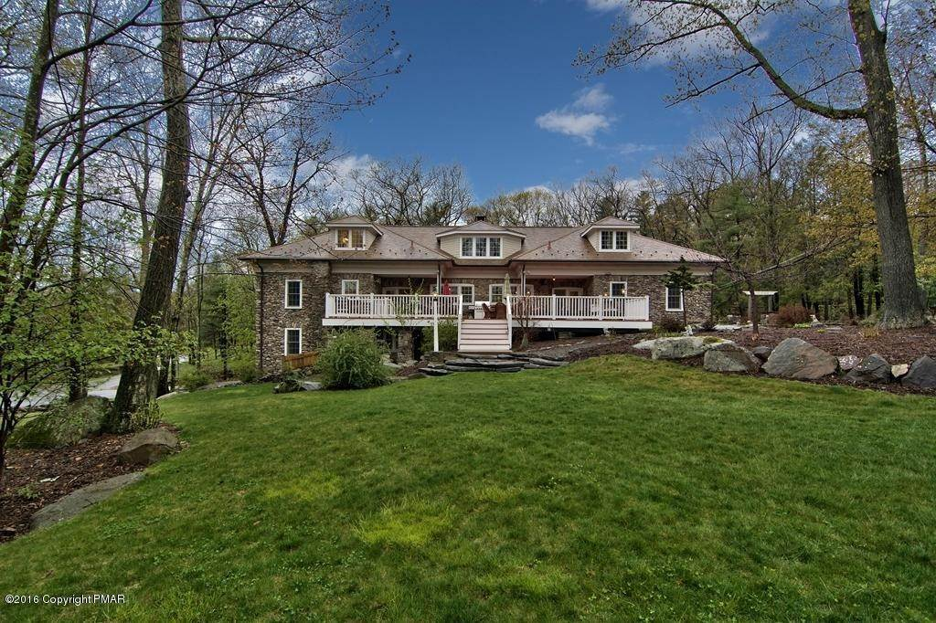 72. Single Family Homes for Sale at 617 Lenape Ln Buck Hill Falls, Pennsylvania 18323 United States