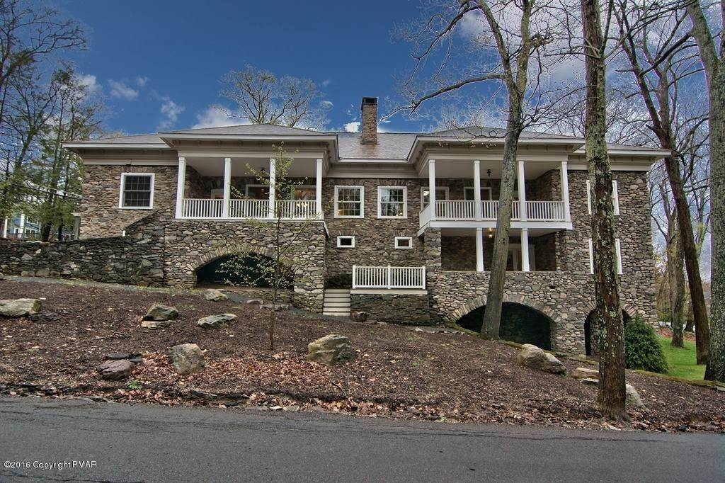 74. Single Family Homes for Sale at 617 Lenape Ln Buck Hill Falls, Pennsylvania 18323 United States