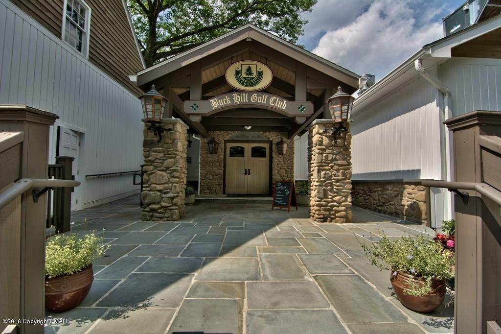 86. Single Family Homes for Sale at 617 Lenape Ln Buck Hill Falls, Pennsylvania 18323 United States
