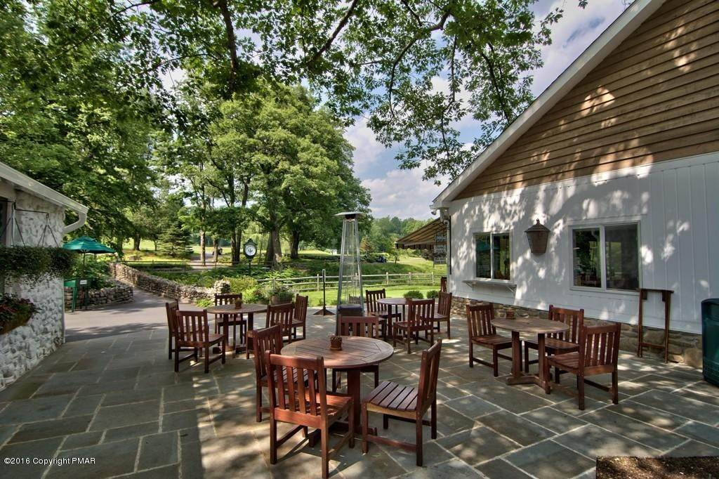 90. Single Family Homes for Sale at 617 Lenape Ln Buck Hill Falls, Pennsylvania 18323 United States