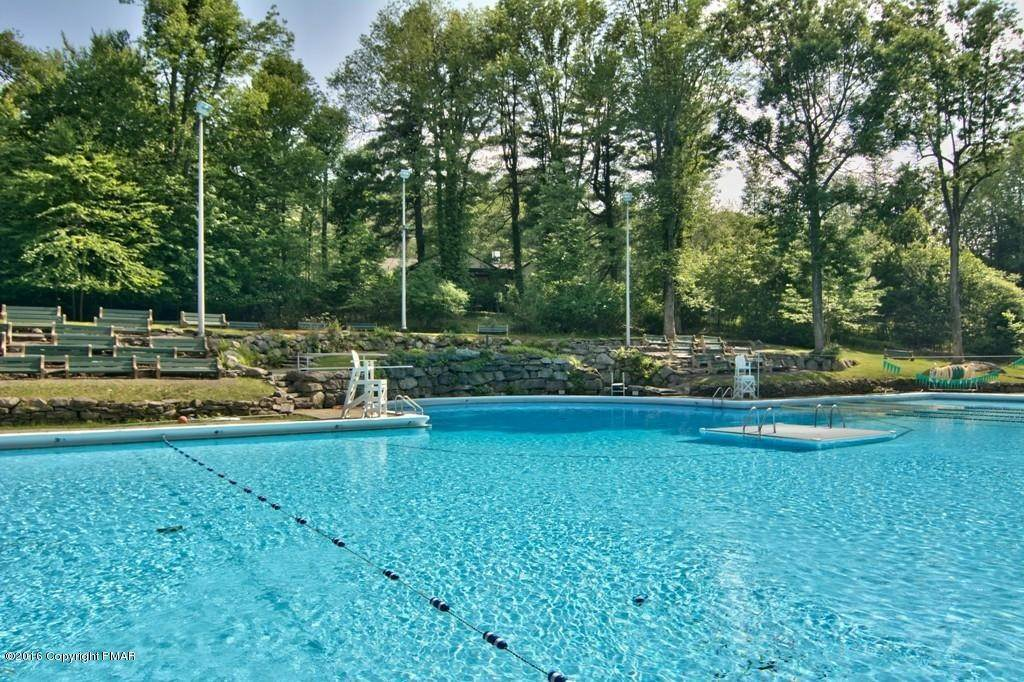 95. Single Family Homes for Sale at 617 Lenape Ln Buck Hill Falls, Pennsylvania 18323 United States