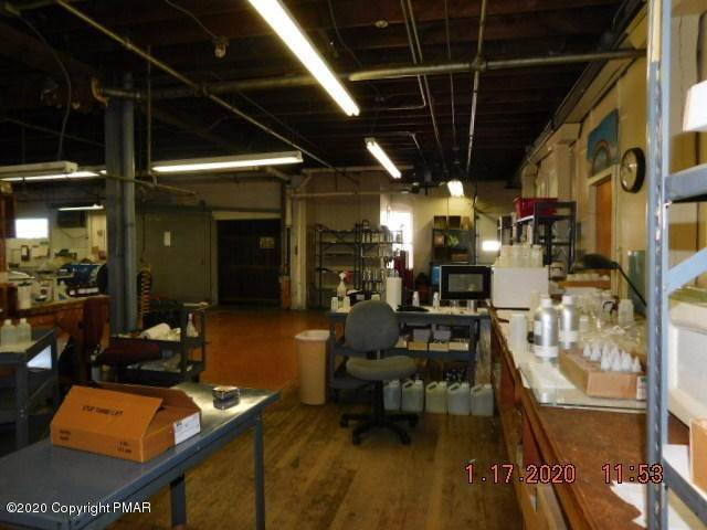 4. Commercial for Sale at 112 Park Ave Wind Gap, Pennsylvania 18091 United States