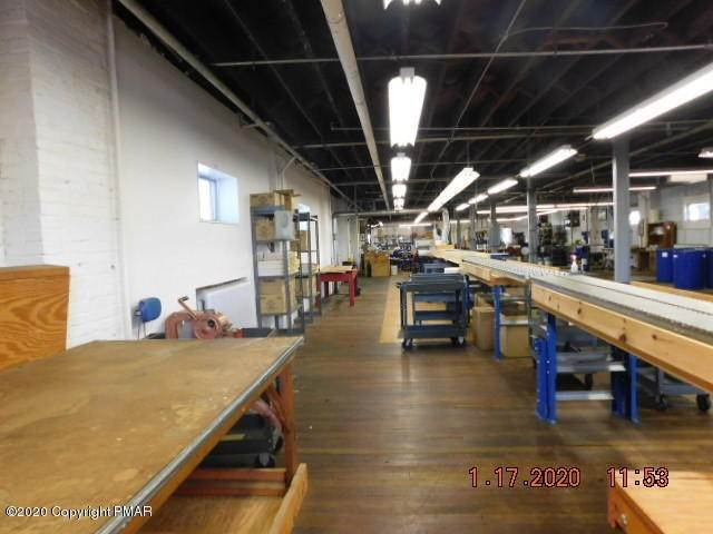7. Commercial for Sale at 112 Park Ave Wind Gap, Pennsylvania 18091 United States