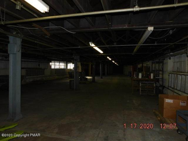 9. Commercial for Sale at 112 Park Ave Wind Gap, Pennsylvania 18091 United States
