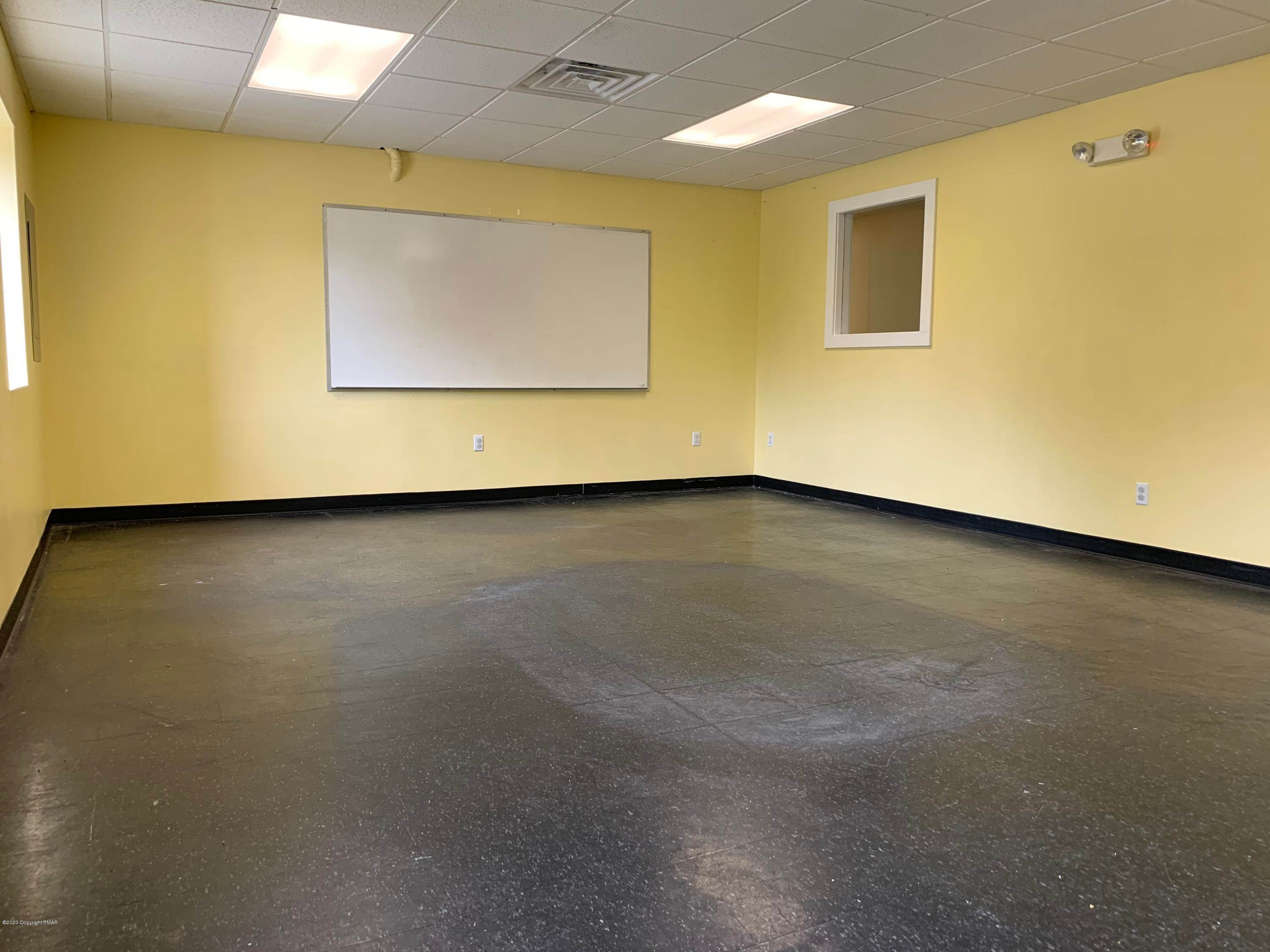 16. Commercial for Sale at 2936 Route 611, School Tannersville, Pennsylvania 18372 United States