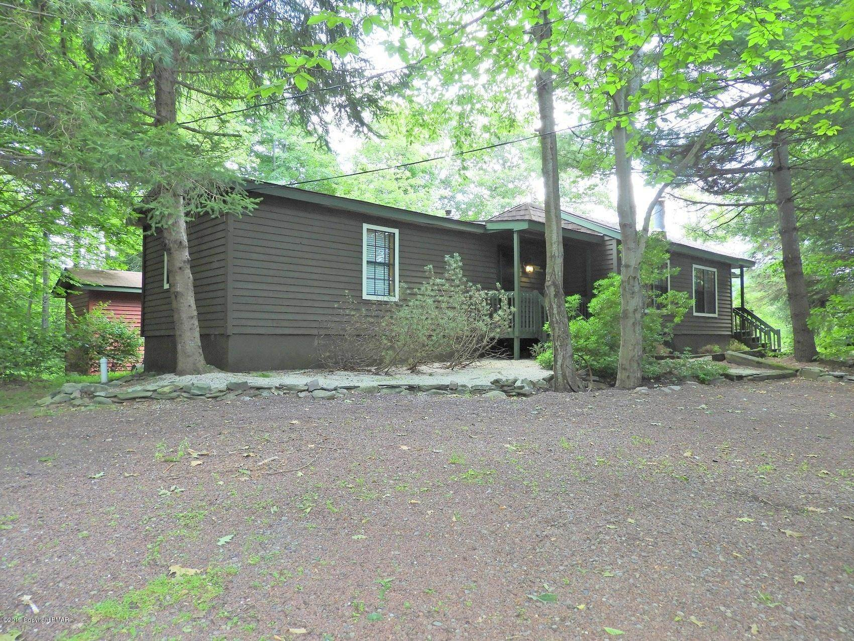 35. Single Family Homes for Sale at 5702 Route 447 Canadensis, Pennsylvania 18325 United States