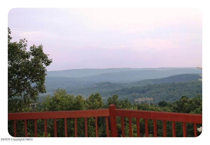 54. Single Family Homes for Sale at 110 Greenwich Dr Bushkill, Pennsylvania 18324 United States