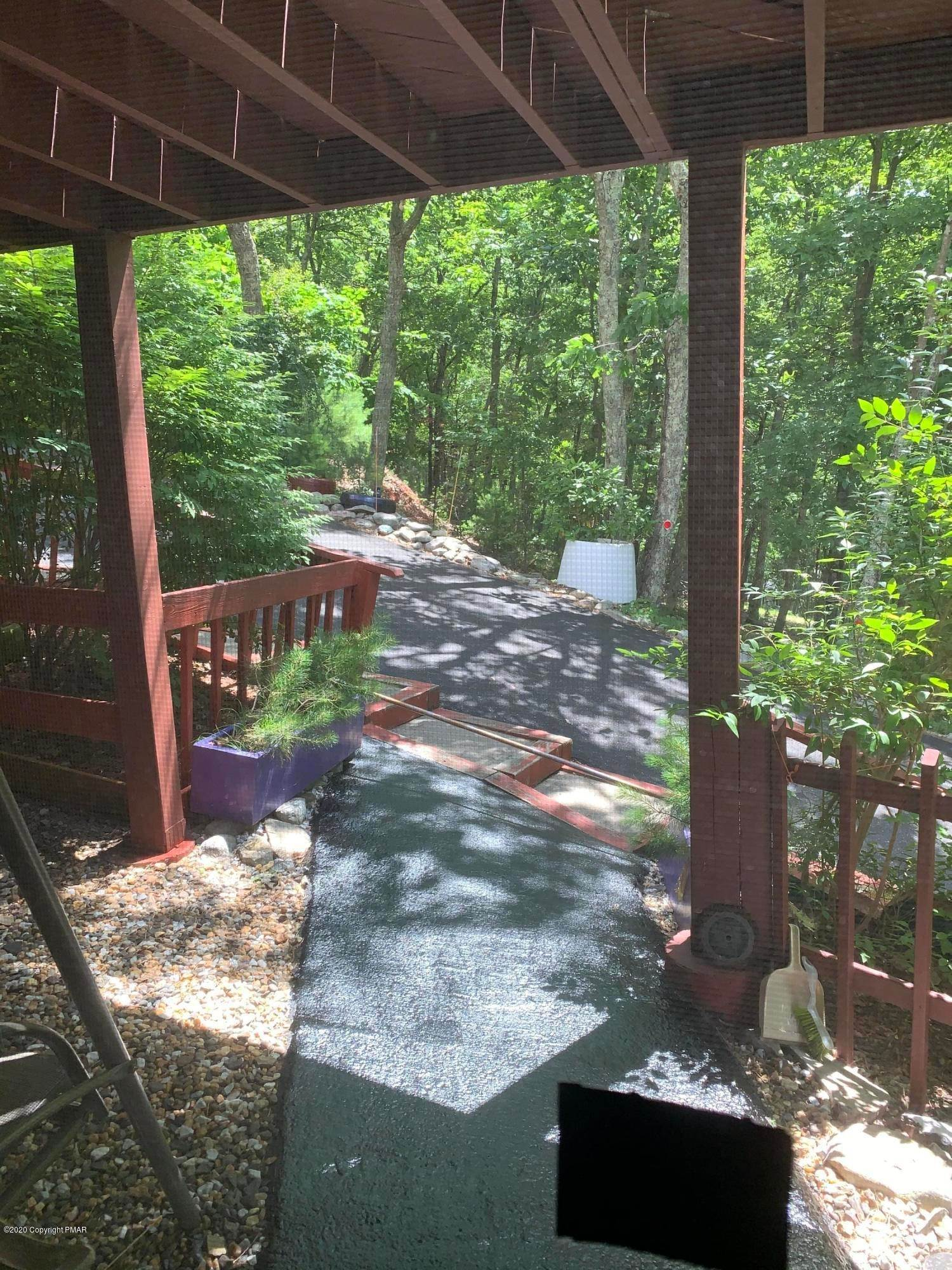 40. Single Family Homes for Sale at 110 Greenwich Dr Bushkill, Pennsylvania 18324 United States