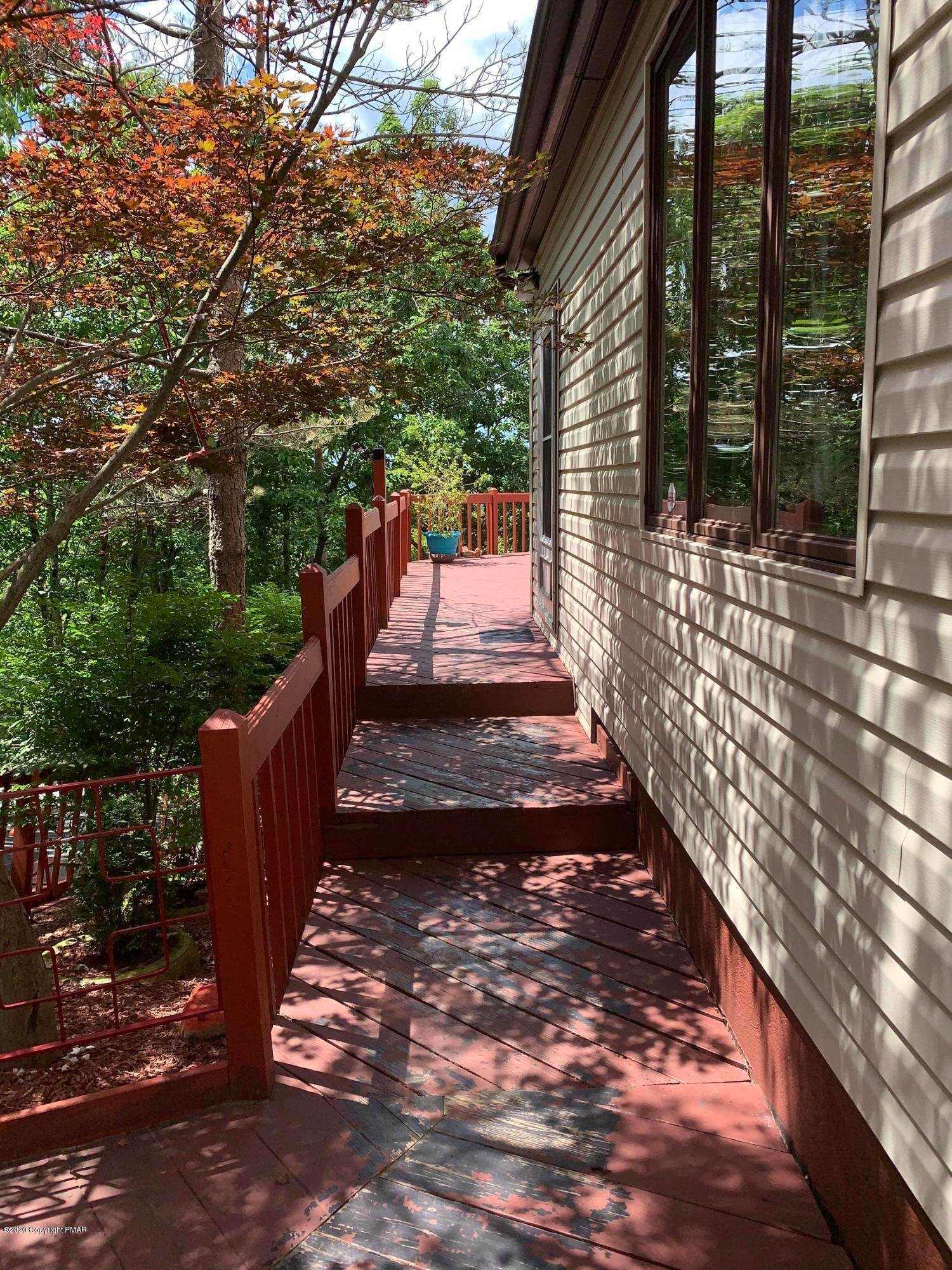 56. Single Family Homes for Sale at 110 Greenwich Dr Bushkill, Pennsylvania 18324 United States