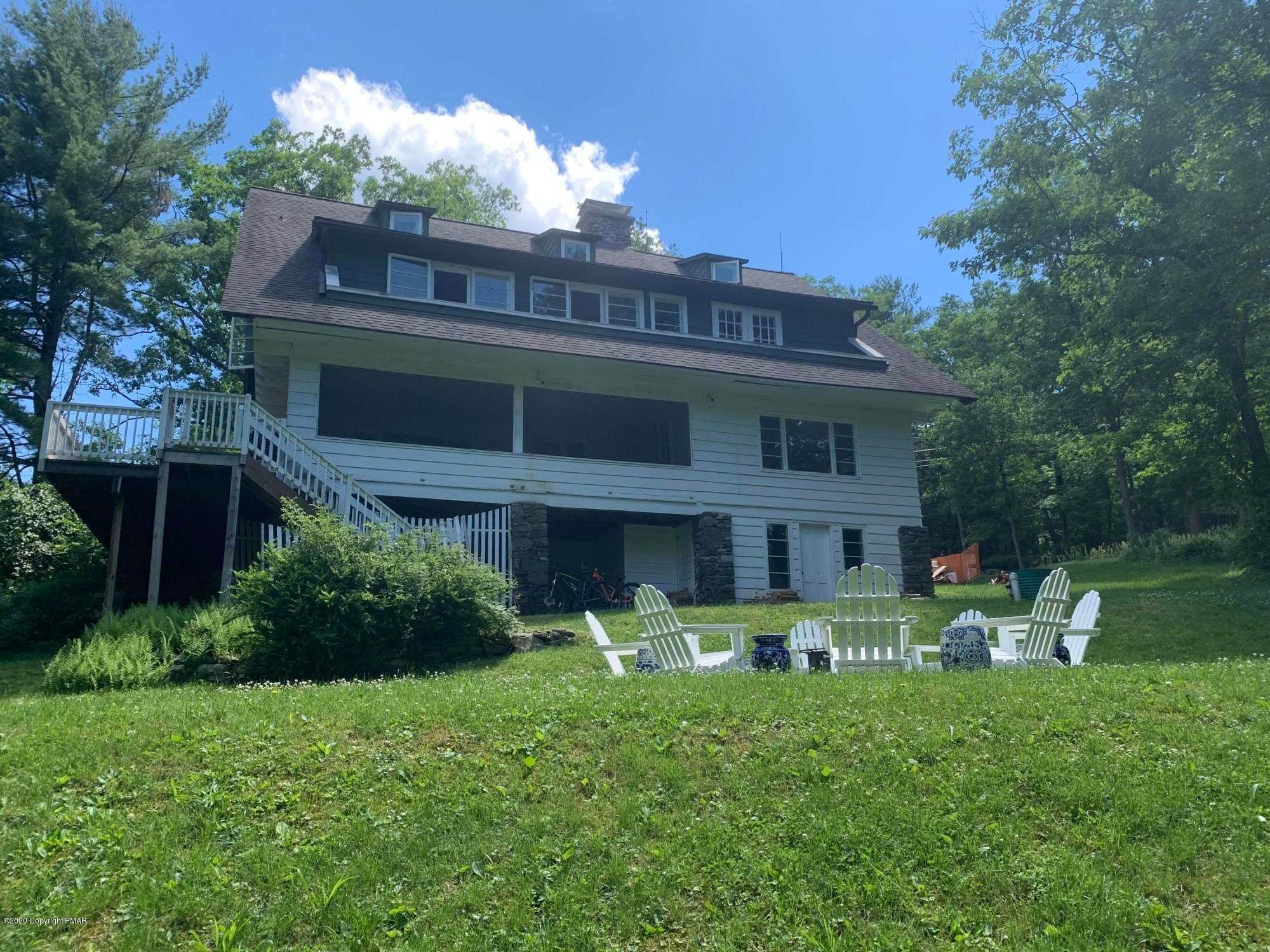 49. Single Family Homes for Sale at 4128 Valley View Rd Buck Hill Falls, Pennsylvania 18323 United States