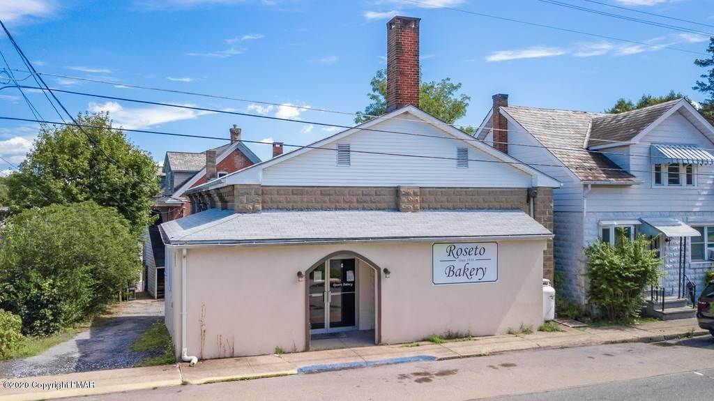 Commercial for Sale at 143 Chestnut St Roseto, Pennsylvania 18013 United States