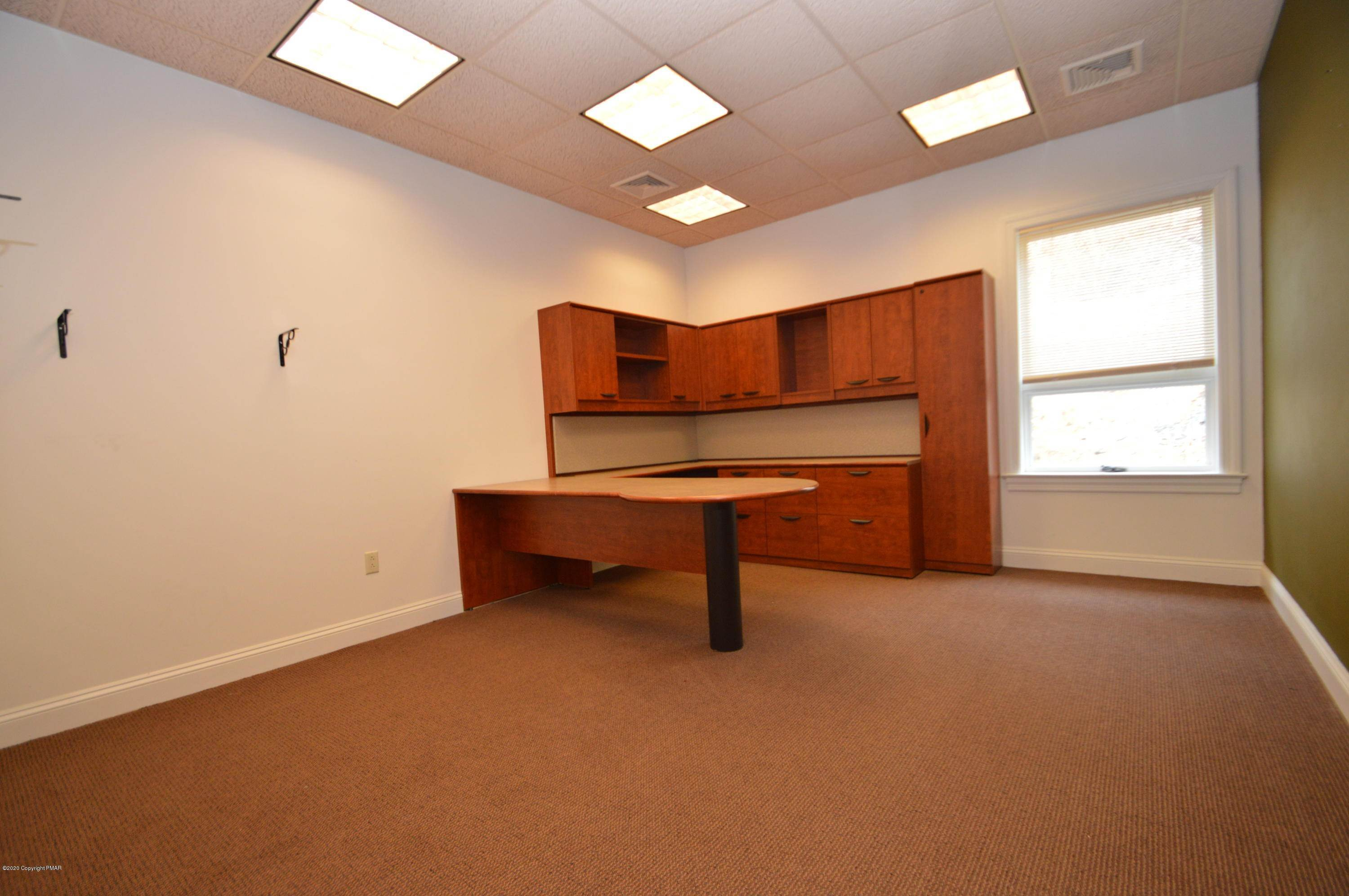 3. Commercial for Sale at 528 Seven Bridge Rd Suite 114 East Stroudsburg, Pennsylvania 18301 United States