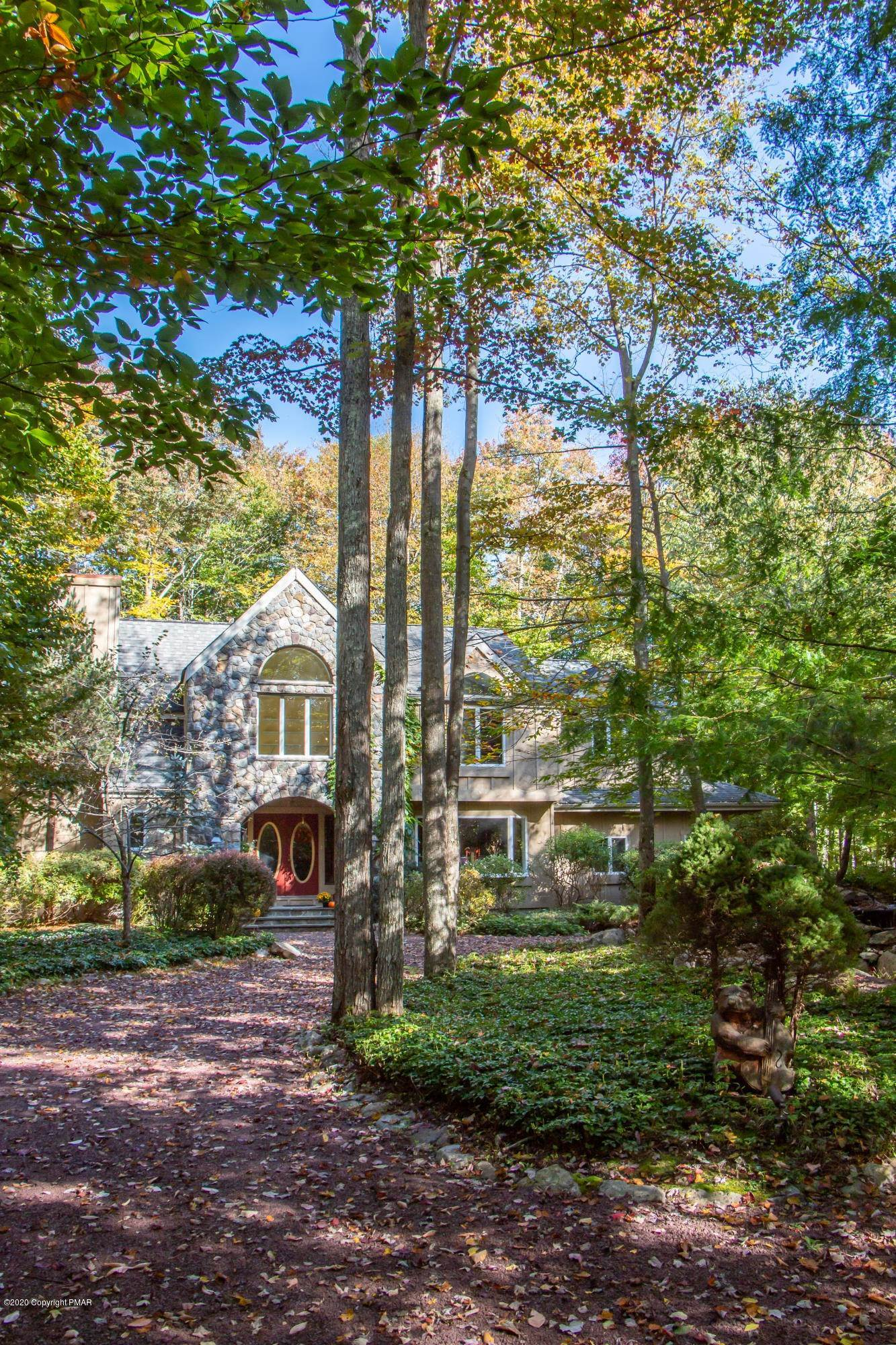53. Single Family Homes for Sale at 222 Kit Carson Cir Pocono Pines, Pennsylvania 18350 United States
