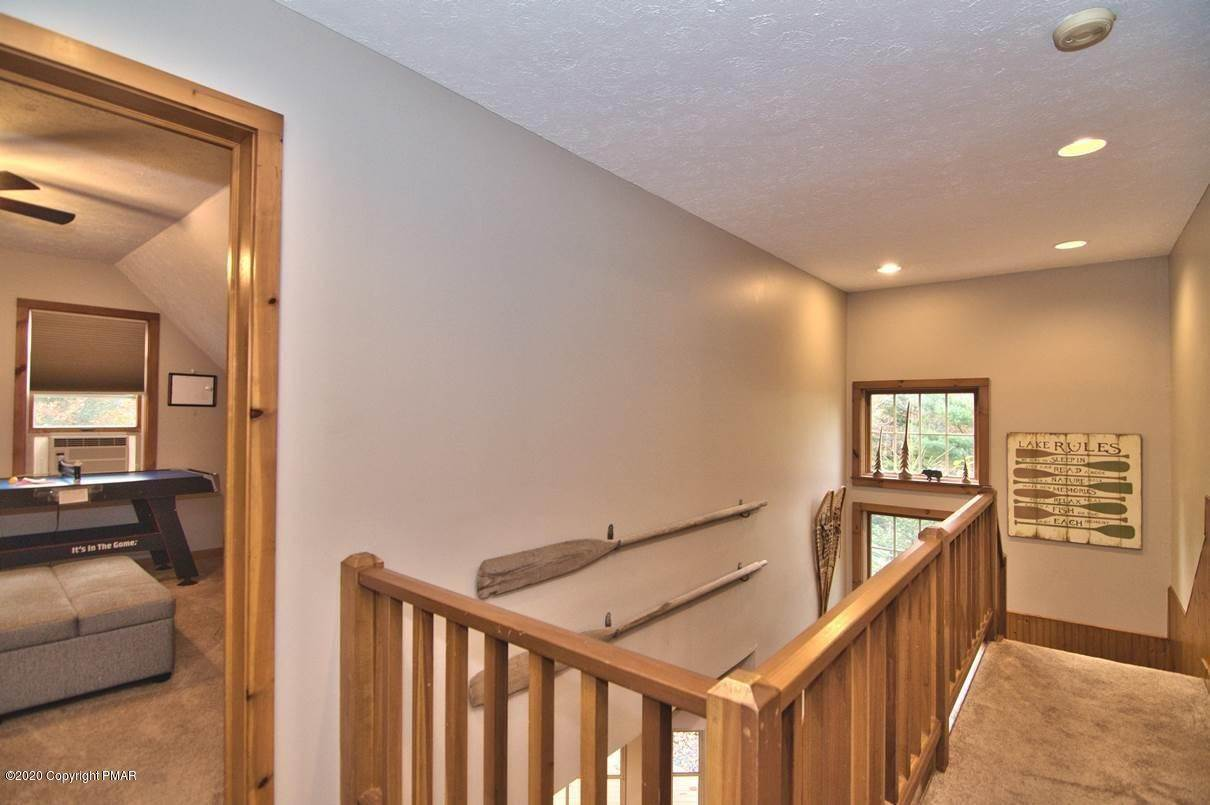 63. Single Family Homes for Sale at 120 Mooncreek Ln Pocono Pines, Pennsylvania 18350 United States