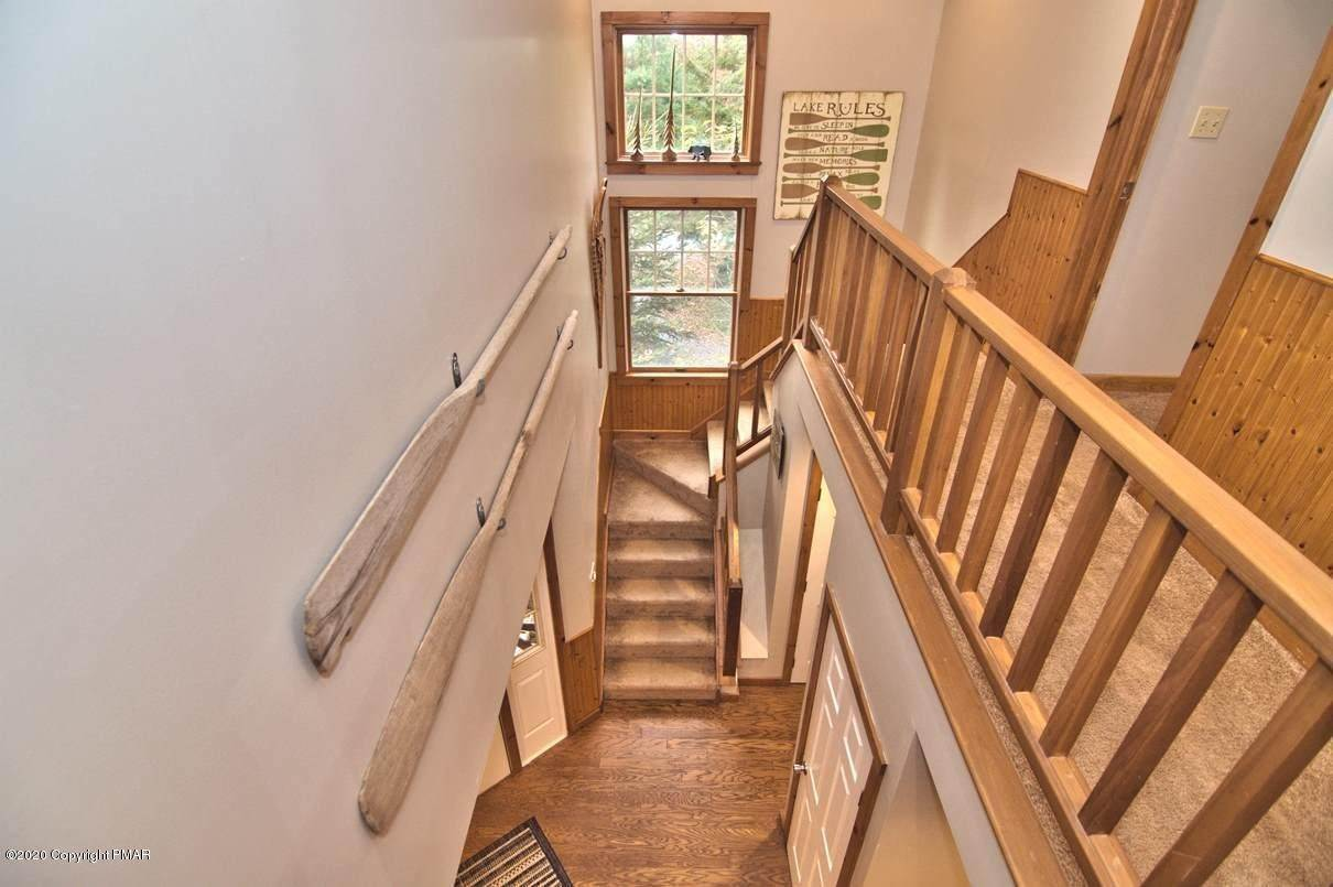 64. Single Family Homes for Sale at 120 Mooncreek Ln Pocono Pines, Pennsylvania 18350 United States