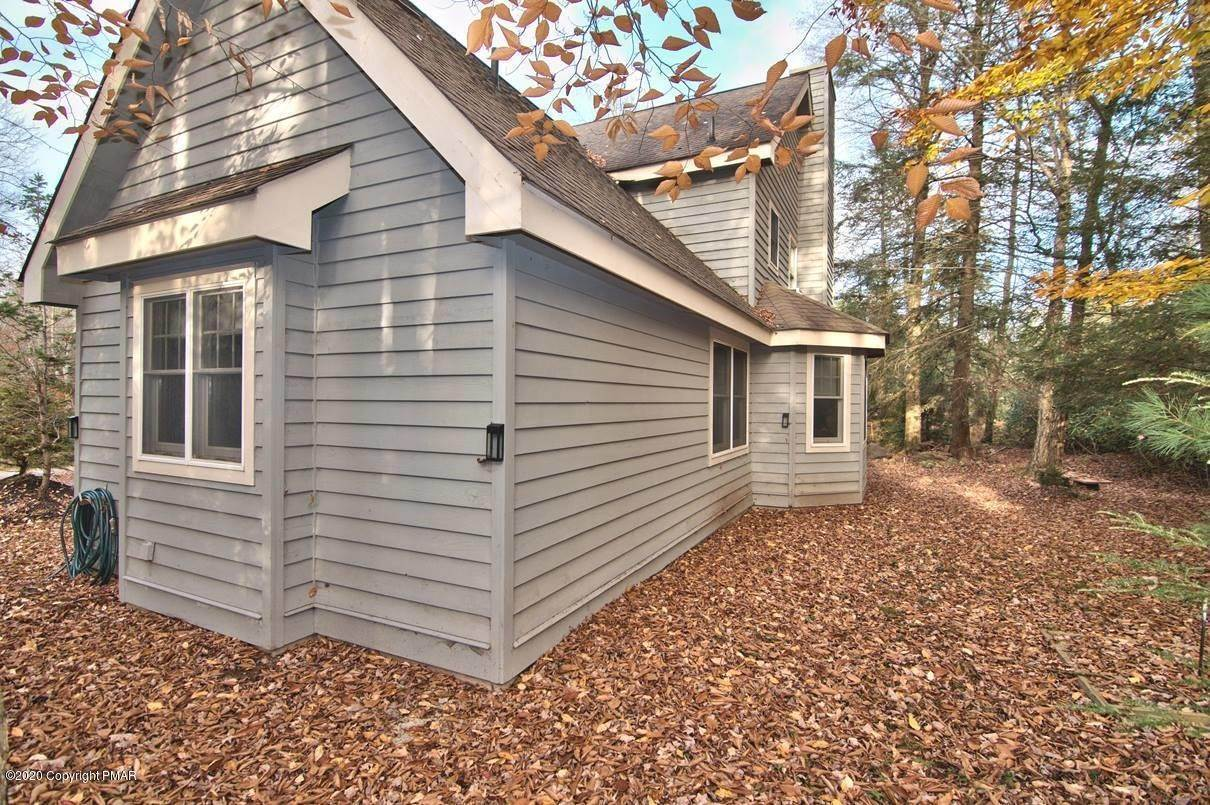 85. Single Family Homes for Sale at 120 Mooncreek Ln Pocono Pines, Pennsylvania 18350 United States