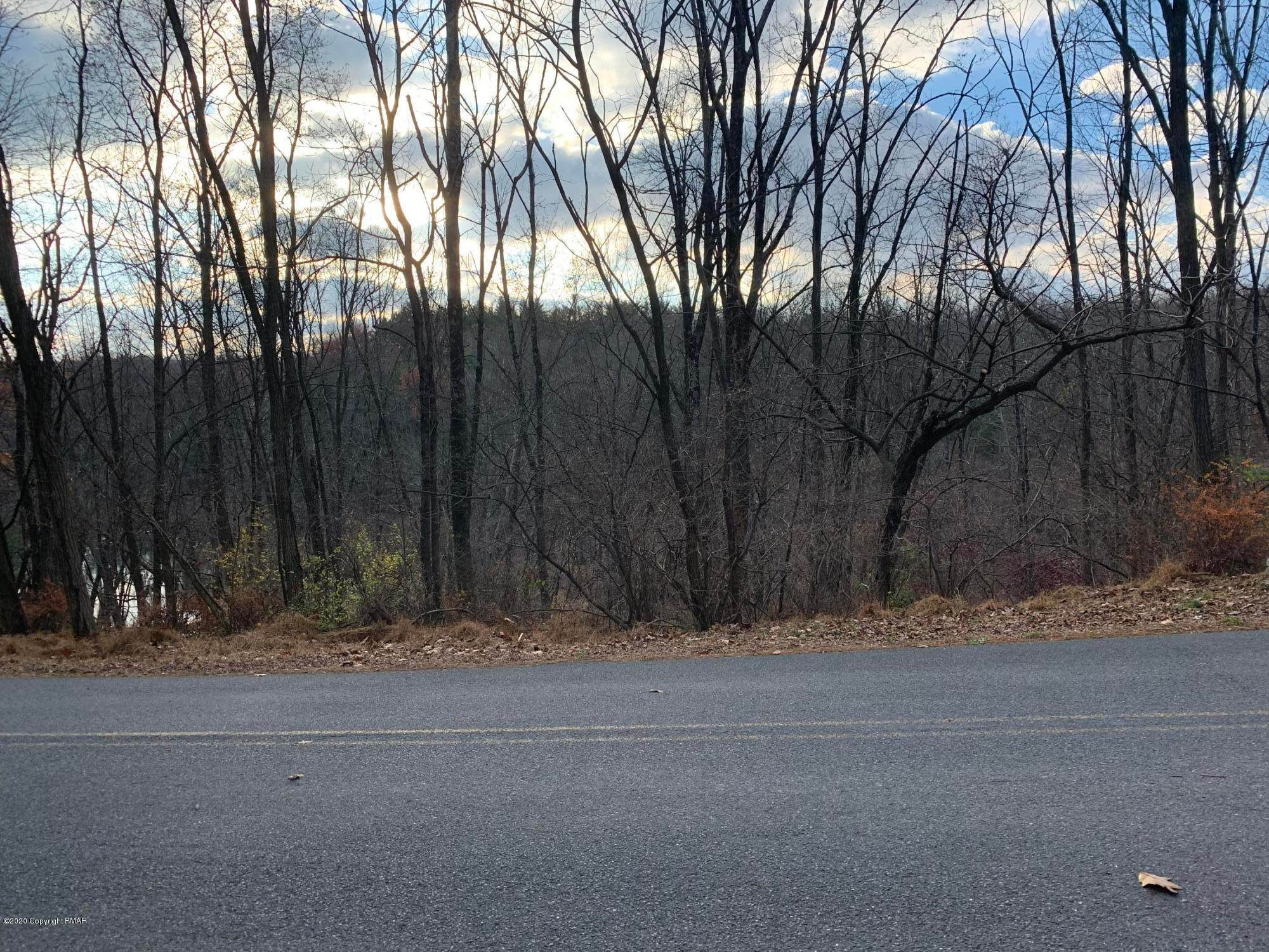 Land for Sale at Service Road Effort, Pennsylvania 18330 United States