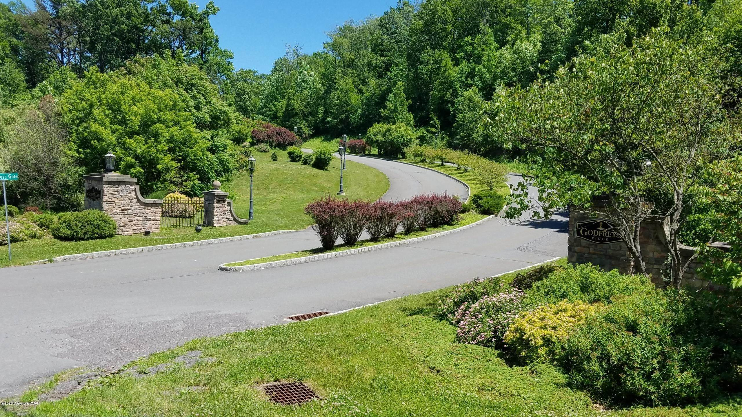 Land for Sale at Lot V8 Godfrey's Gate Stroudsburg, Pennsylvania 18360 United States