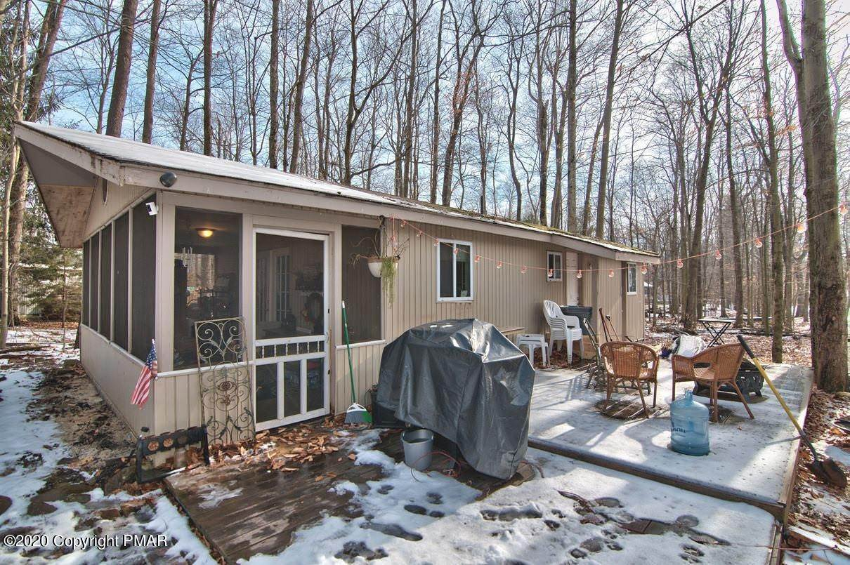 32. Single Family Homes for Sale at 154 Gross Drive Pocono Pines, Pennsylvania 18350 United States