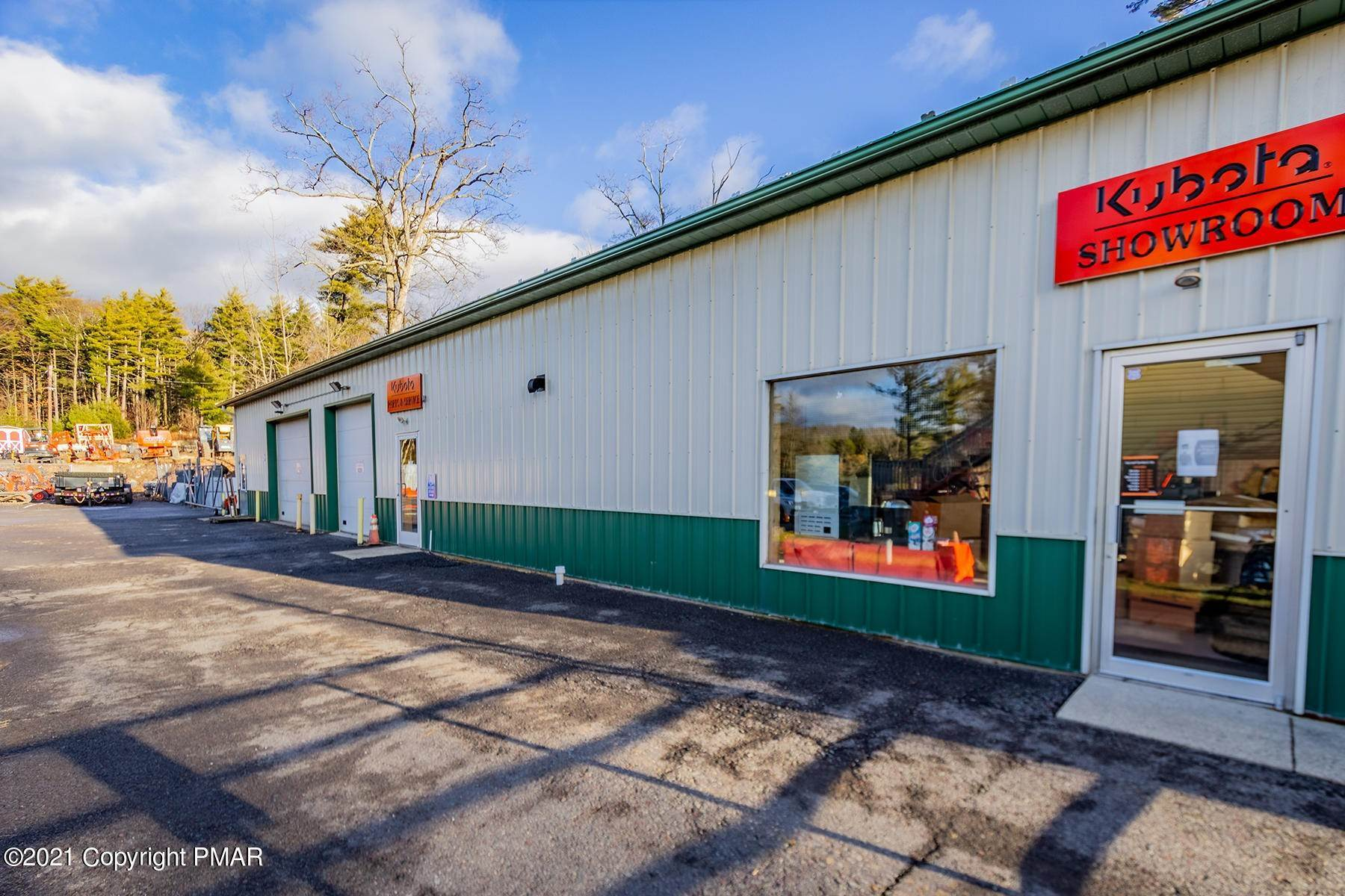 19. Commercial for Sale at 1819 Route 611 Mount Pocono, Pennsylvania 18344 United States