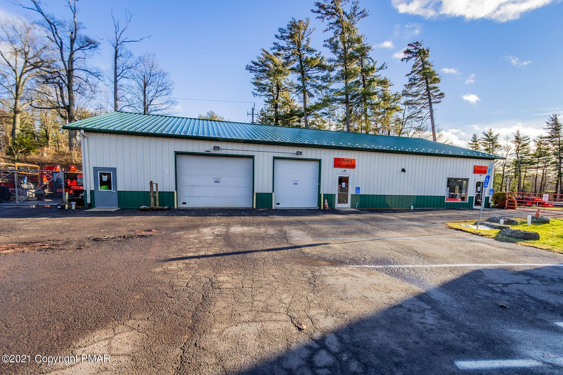 20. Commercial for Sale at 1819 Route 611 Mount Pocono, Pennsylvania 18344 United States
