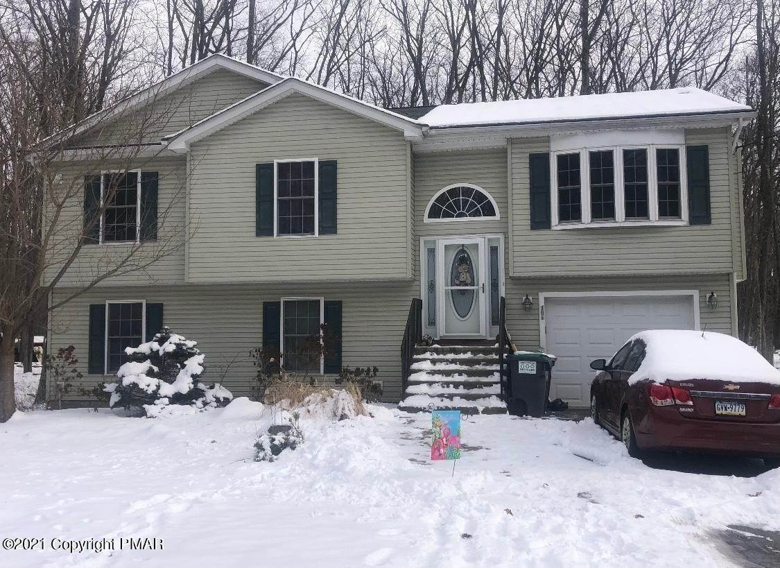 Single Family Homes for Sale at 3240 Red Run Rd Pocono Summit, Pennsylvania 18346 United States