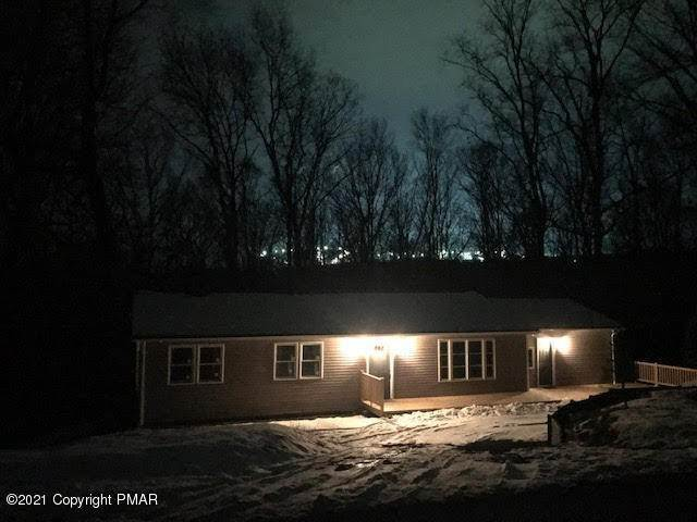 Single Family Homes for Sale at 124 Babbling Brook Rd Scotrun, Pennsylvania 18355 United States