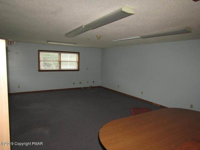 21. Commercial for Sale at 1192 Hamlin Hwy Lake Ariel, Pennsylvania 18436 United States