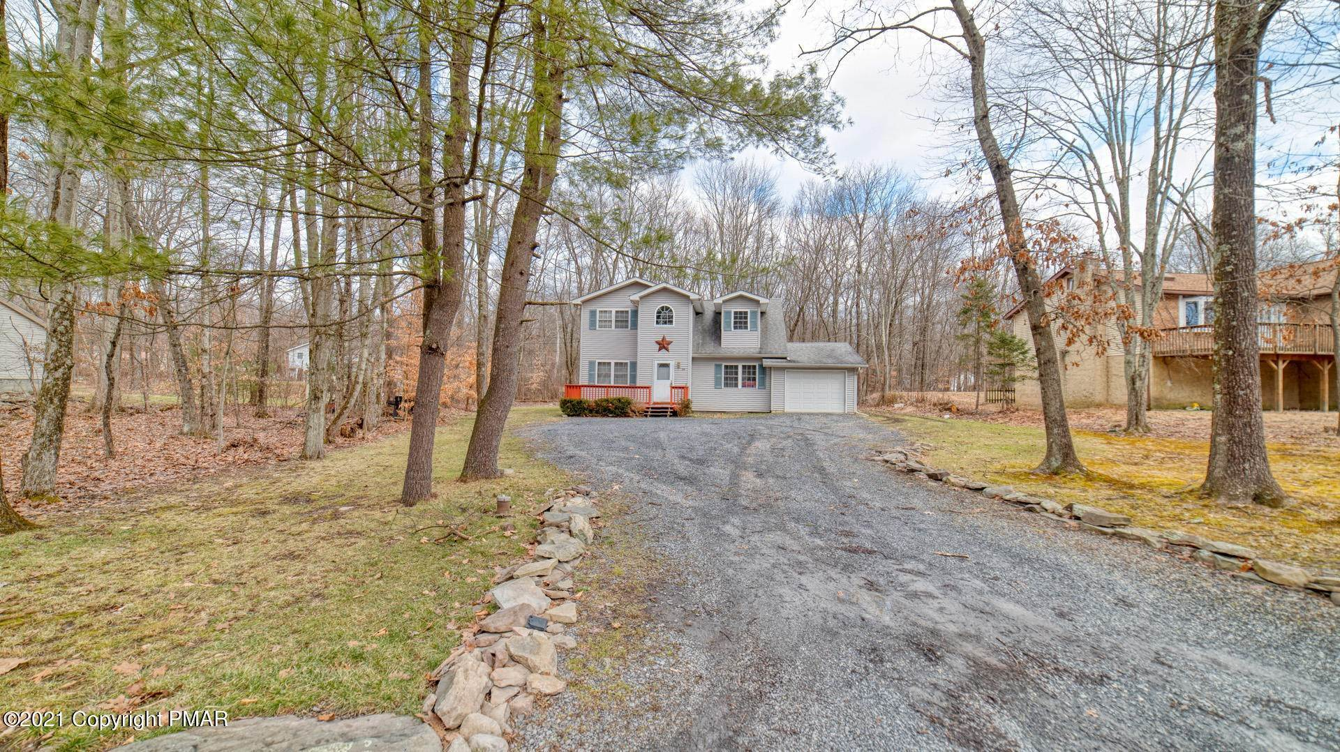 5. Single Family Homes for Sale at 129 Michelle Ln Bartonsville, Pennsylvania 18321 United States