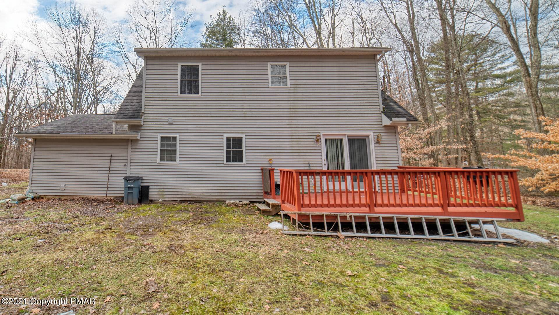 8. Single Family Homes for Sale at 129 Michelle Ln Bartonsville, Pennsylvania 18321 United States