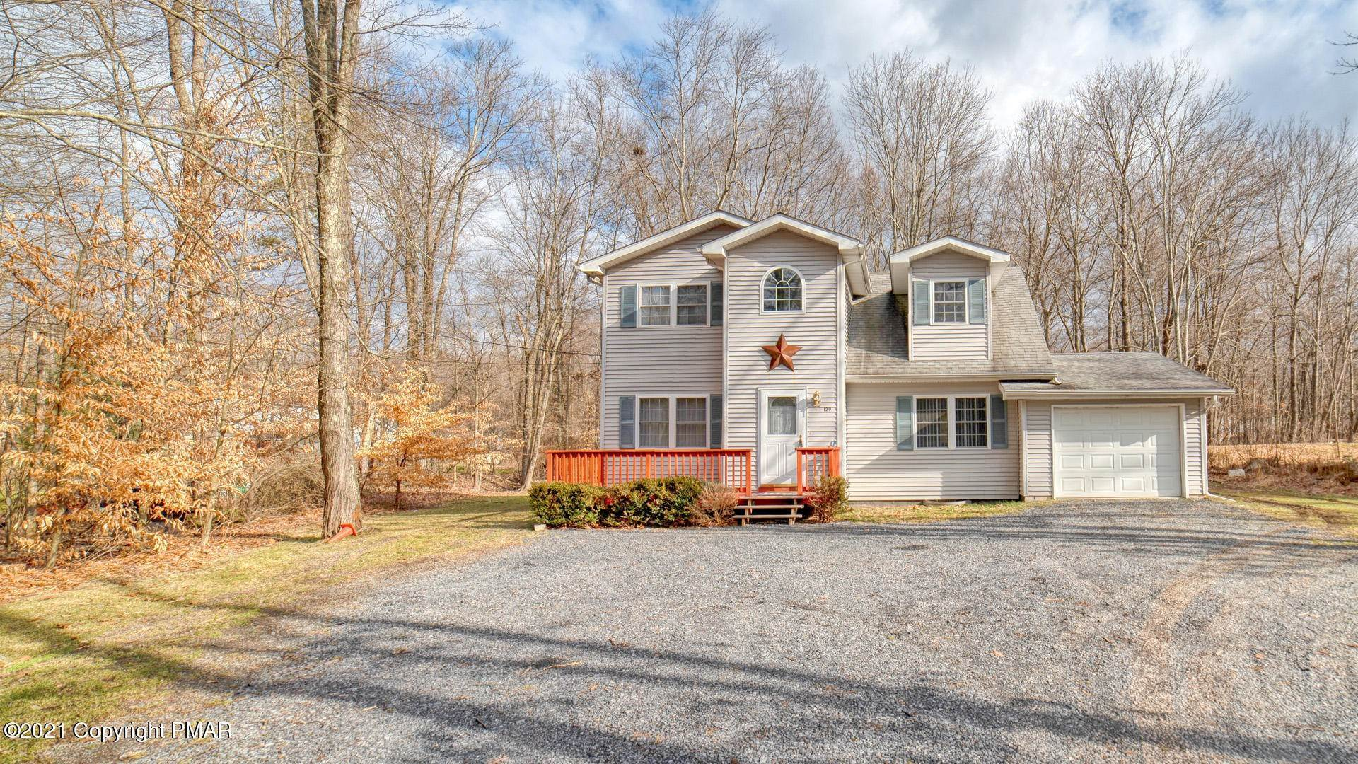11. Single Family Homes for Sale at 129 Michelle Ln Bartonsville, Pennsylvania 18321 United States