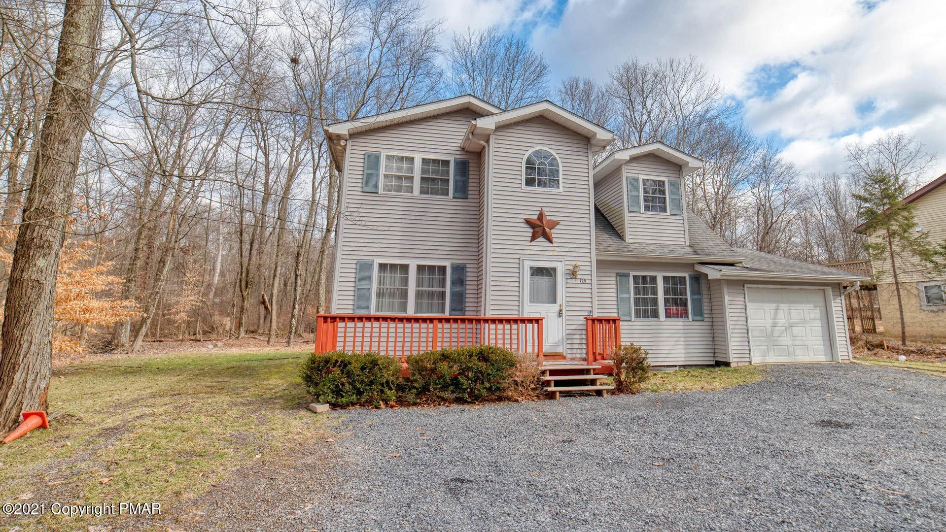 13. Single Family Homes for Sale at 129 Michelle Ln Bartonsville, Pennsylvania 18321 United States