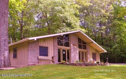 32. Single Family Homes for Sale at 182 Lc Larson Dr Pocono Lake, Pennsylvania 18347 United States