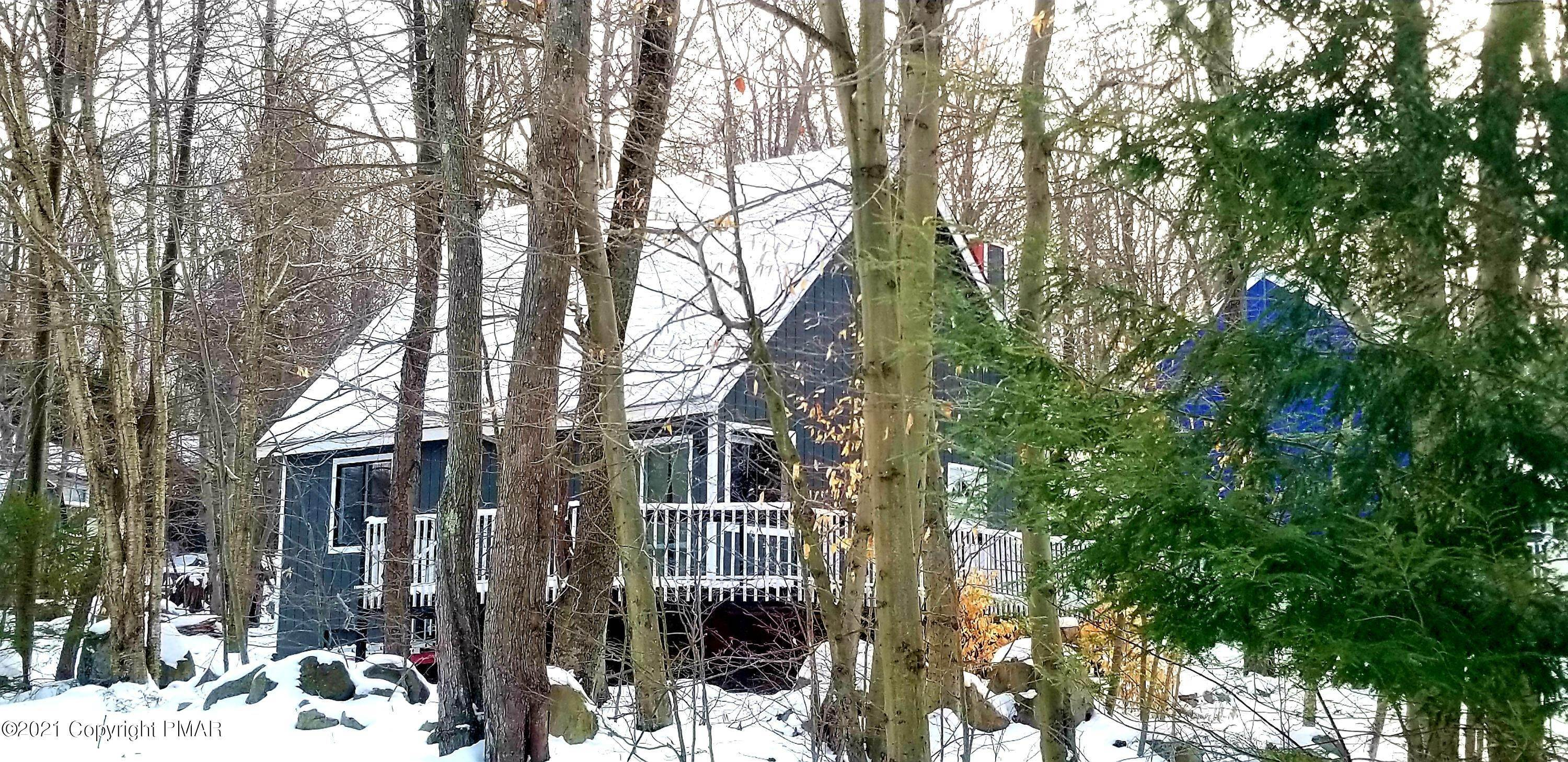9. Single Family Homes for Sale at 9302 Fairmount Way Tobyhanna, Pennsylvania 18466 United States