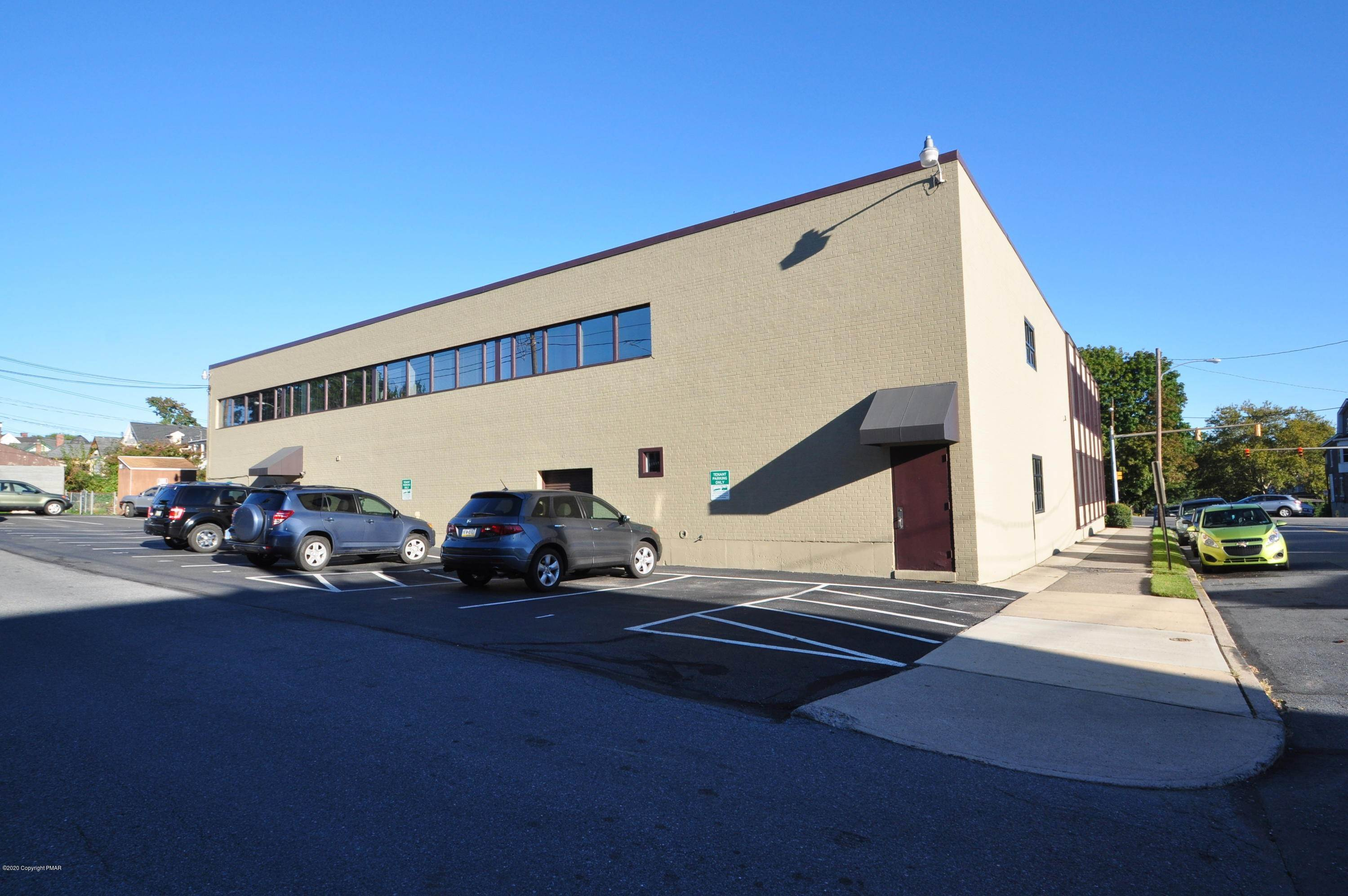 5. Commercial for Sale at 701 W Broad St Suite 215 Bethlehem, Pennsylvania 18018 United States