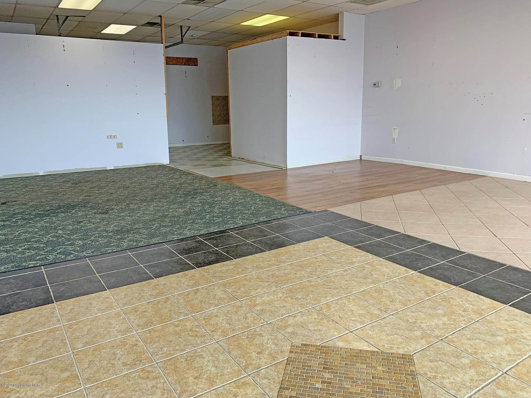 9. Commercial for Sale at 110 Shafer Dr, Unit 7/8 Brodheadsville, Pennsylvania 18322 United States