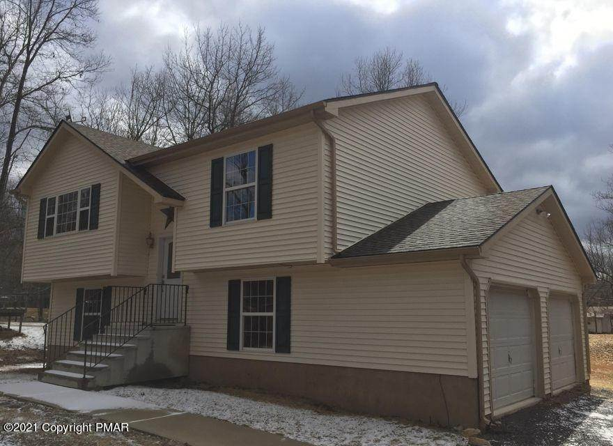 Single Family Homes for Sale at 168 Sassafras Rd Albrightsville, Pennsylvania 18210 United States