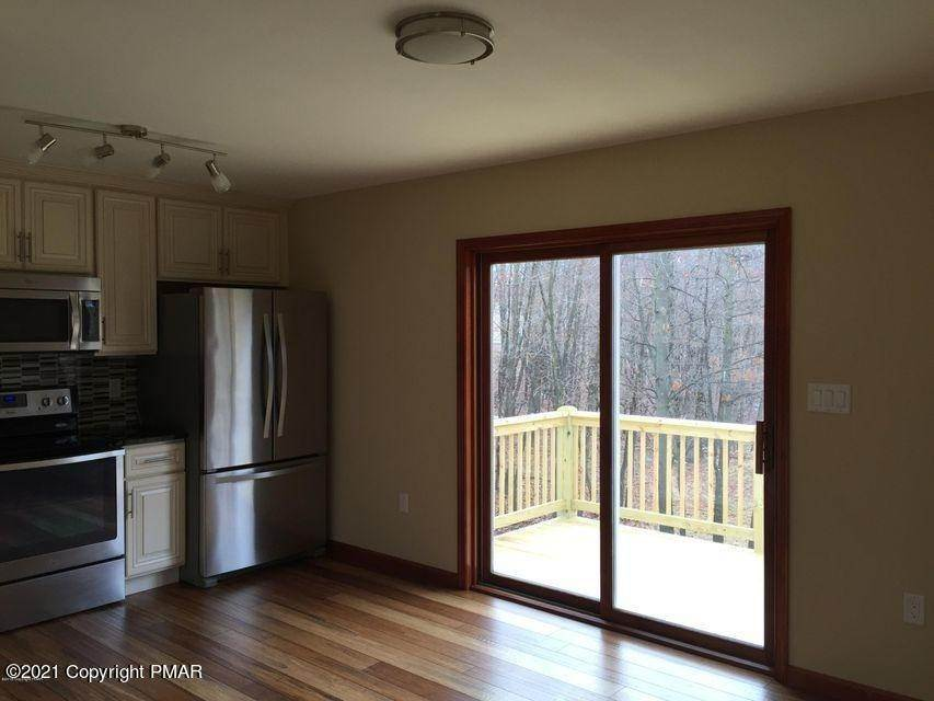 7. Single Family Homes for Sale at 168 Sassafras Rd Albrightsville, Pennsylvania 18210 United States