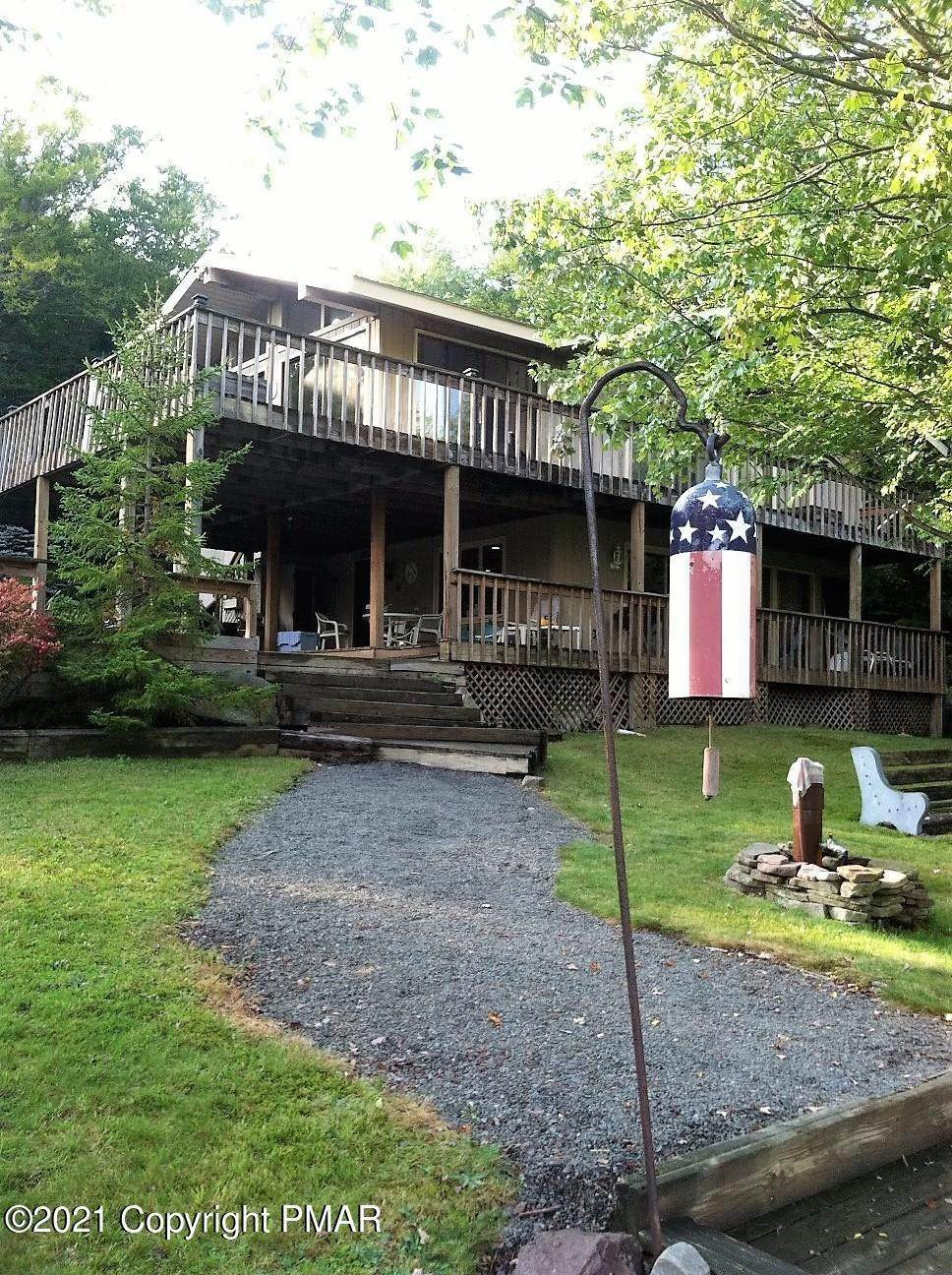 2. Single Family Homes for Sale at 6248 Lakeview Drive Pocono Pines, Pennsylvania 18350 United States