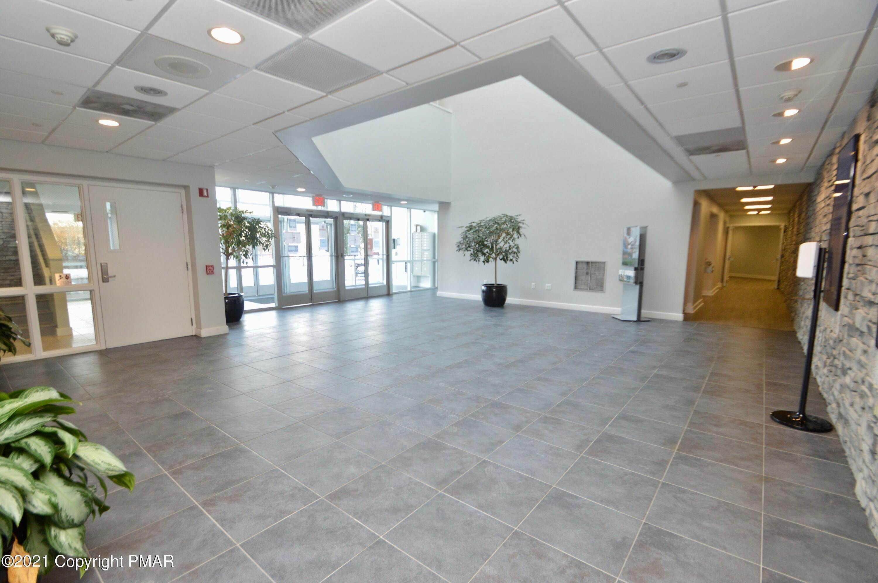 8. Commercial for Sale at 95 Highland Ave Suite 209 Bethlehem, Pennsylvania 18017 United States