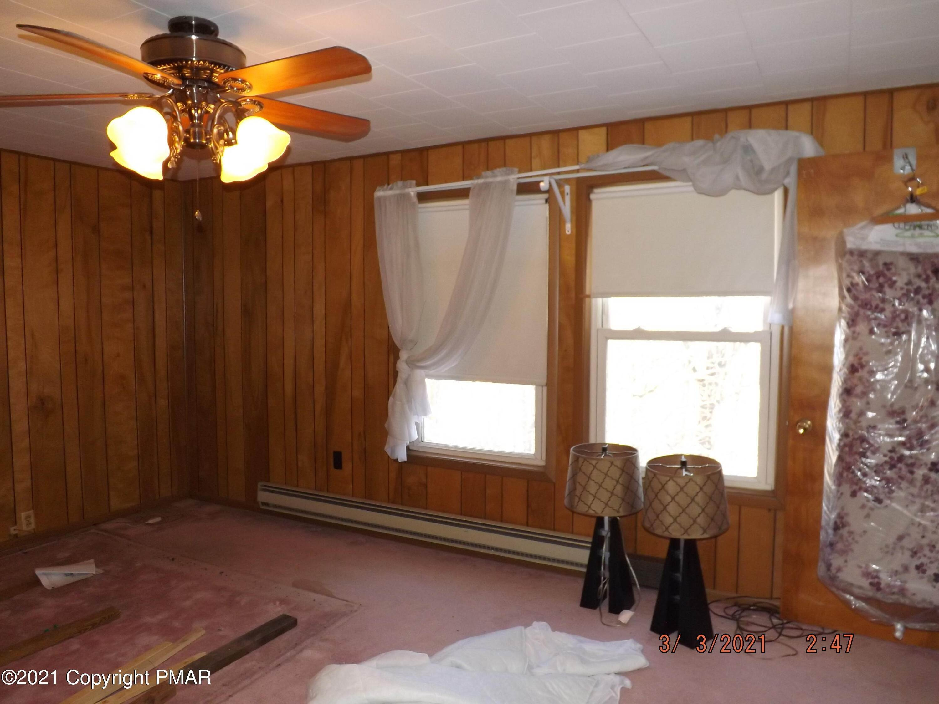 19. Single Family Homes for Sale at 130 Sand Spring Rd Cresco, Pennsylvania 18326 United States