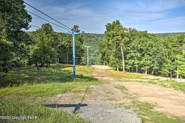 80. Single Family Homes for Sale at 110 Greenwich Dr Bushkill, Pennsylvania 18324 United States